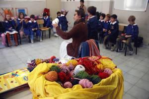 maestra serena porta la manualità alle elementari