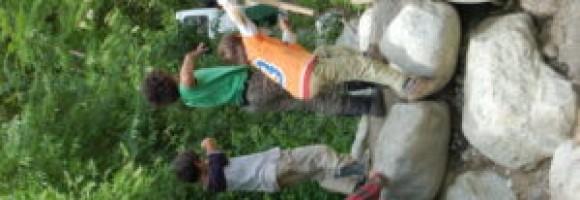 parco giochi alla scuola steineriana di Ginevra, un luogo dove giocare davvero